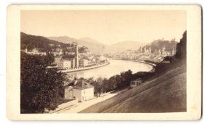 Fotografie Fotograf unbekannt, Ansicht Salzburg, Blick entlang der Salzach zur Festung