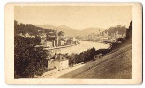 Fotografie Fotograf unbekannt, Ansicht Salzburg, Partie an der Salzach mit Blick zur Festung