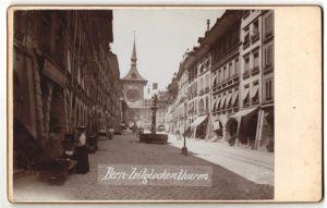 Fotografie Fotograf unbekannt, Ansicht Bern, Strassenansicht mit Blick zum Zeitglockenturm