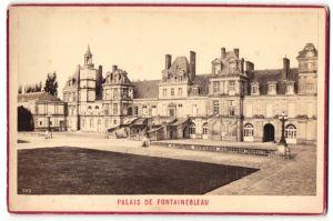 Fotografie Fotograf unbekannt, Ansicht Fontainebleau, Partie am Palais