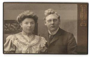 Fotografie Th. Alfred Hahn, Chemnitz, Portrait bürgerliche Eheleute