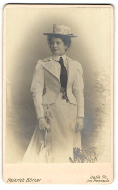 Fotografie Heinrich Börner, Halle a/S, Portrait elegante junge Dame