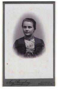 Fotografie Aug. Striepling, Hameln, Portrait junge bürgerliche Dame