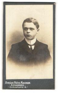 Fotografie Atelier Fritz Hacker, Annaberg, Portrait bürgerlicher junger Mann