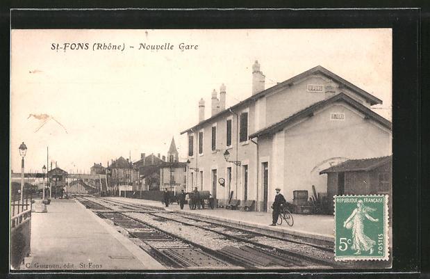 AK St-Fons, Nouvelle Gare, Bahnhof von der Gleisseite