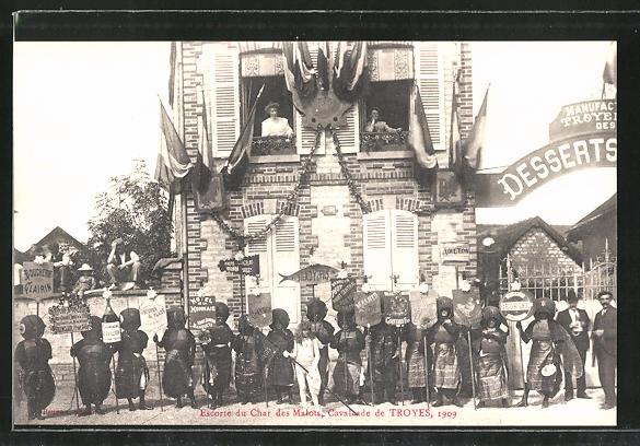 AK Troyes, escorte du char des Malots, calvacade de Troyes 1909
