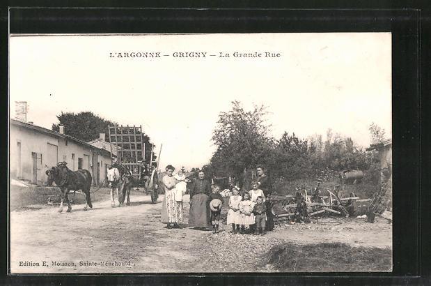 AK Grigny, La Grande Rue, Strassenpartie mit Frauen und Kindern