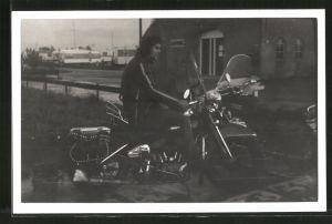 Fotografie Motorrad Harley Davidson mit Fahrer