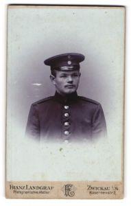 Fotografie Franz Landgraf, Zwickau i/S, Portrait Soldat mit Schirmmütze