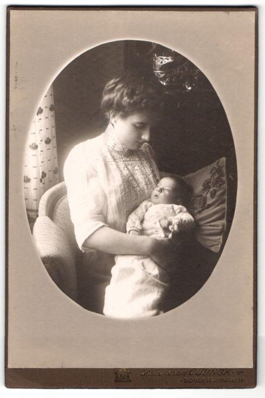 Fotografie C. Ringk, Sondershausen, Portrait Mutter mit Säugling