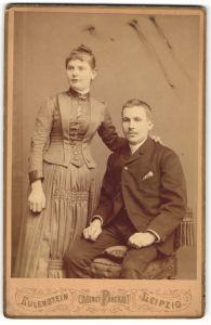 Fotografie Eulenstein, Leipzig, Portrait junges bürgerliches Paar