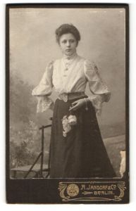 Fotografie A. Jandorf & Co., Berlin, Portrait bürgerliche junge Dame