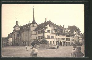 AK Zofingen, Gerechtigkeritsplatz mit Rathaus & Thutbrunnen 0