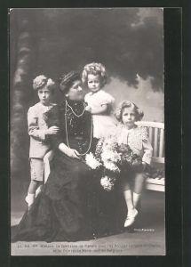 AK Madame La Comtesse de Flandre avec les Princes Léopold et Charles et la Princesse Marie-José de Belgique