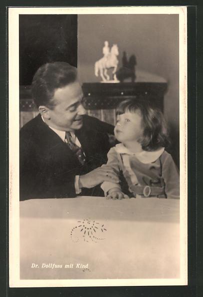 AK Bundeskanzler Dr. Dollfuss mit Kind