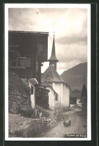 AK Compadials, Dorfstrasse an der Kirche mit Hühnern