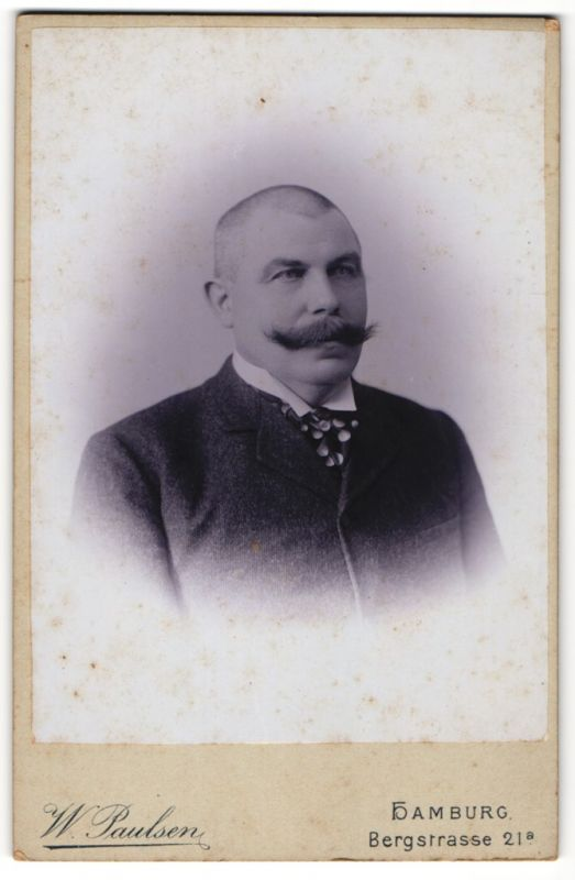 Paulsen Hamburg fotografie w paulsen hamburg portrait älterer herr mit mächtigem