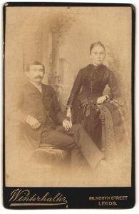Fotografie Winterhalter, Leeds, Portrait bürgerliche Eheleute, England