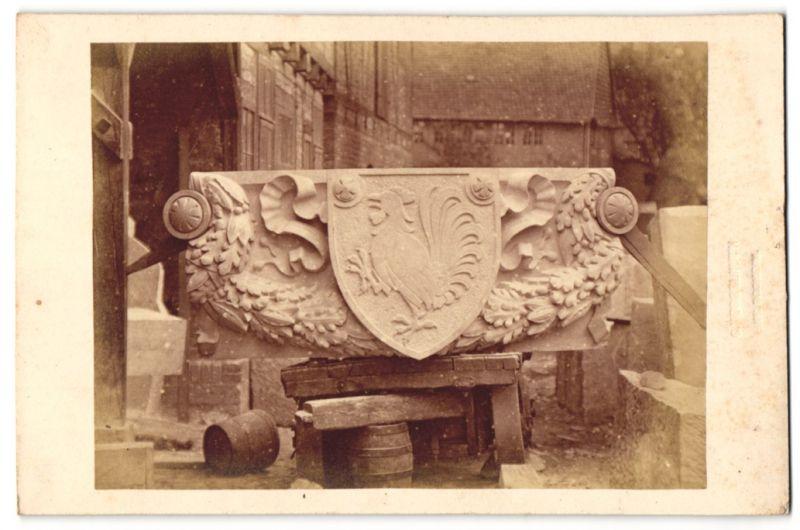 Fotografie Carl Kesselhuth, Hildesheim, Ansicht Brandenburg a/H, Wappen am Marienberg-Denkmal, Baumeister Hubert Stier