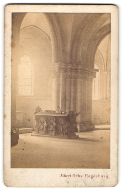 Fotografie Albert Ochs, Magdeburg, Ansicht Magdeburg, Dom, Innenansicht mit Sarkophag
