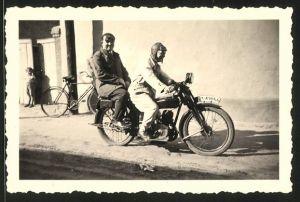 Fotografie Freund, Magdeburg, Motorrad, Männer bei Ausfahrt mit Krad, Kennz.: IM-49866