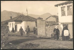 Fotografie Fotograf unbekannt, Ansicht Prilep, Einheimische Mazedonier im Ort