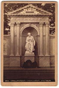 Fotografie unbekannter Fotograf, Ansicht Wien, Volksgarten, Grillparzer-Denkmal