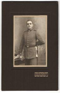Fotografie Fritz Moritz, Passau, Portrait Unteroffizier in Uniform