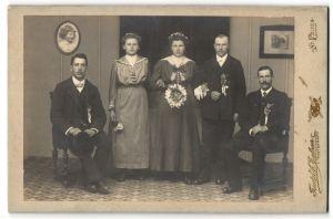 Fotografie Friedrich Eglseer, St. Pölten, Portrait zwei junge Damen und drei junge Herren