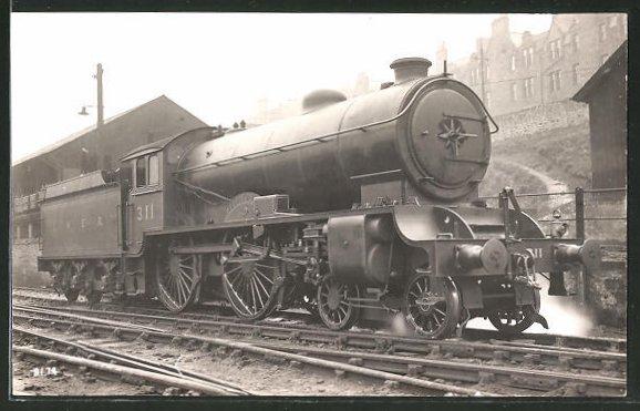AK englische Eisenbahn im Bahnhof