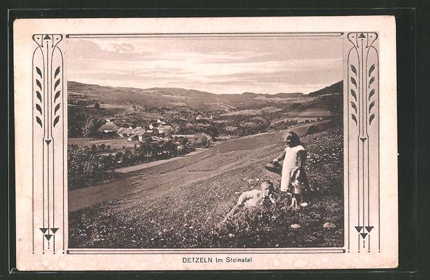 AK Detzeln, Blick auf den Ort im Steinatal, Kinder auf einer Wiese