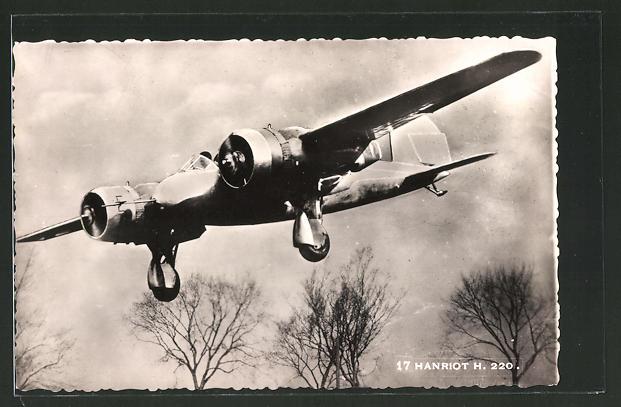 AK Hanriot H. 220, Avion destiné a la chasse, l'observation et le bombardement lehger, Flugzeug in der Luft