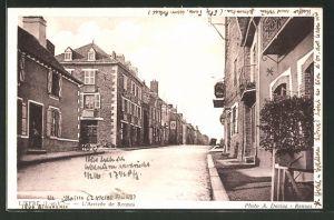 AK Liffré, L'Arrivée de Rennes, Strassenpartie im Ort
