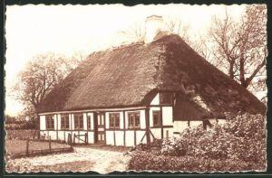 Foto-AK Sonderburg, Haus mit Reetdach