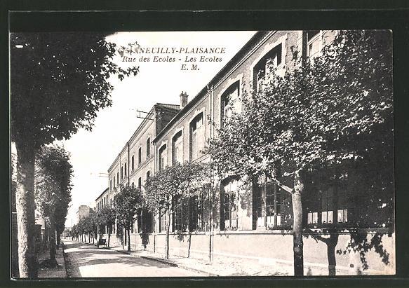 AK Neuilly-Plaisance, Rue des Ecoles - les Ecoles, Schulen