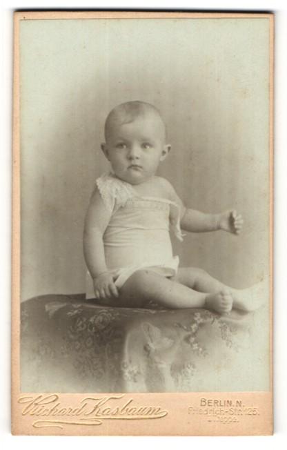 Polstermöbel In Berlin fotografie richard kasbaum berlin n portrait eines säuglings auf