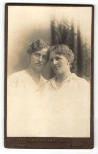 Fotografie F. Hofer, Bad-Ischl, Portrait zwei bürgerliche Damen