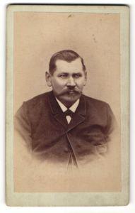 Fotografie F. A. Hartig, Thurm, Portrait älterer Herr mit Schnauzbart