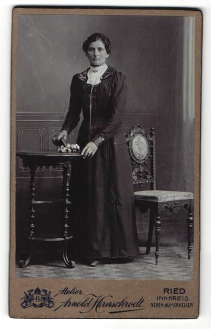 Fotografie Arnold Hirnschrodt, Ried, Portrait bürgerliche junge Dame