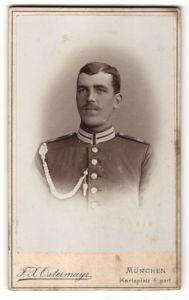 Fotografie F. H. Ostermayr, München, Portrait deutscher Garde-Soldat in Uniform mit Schützenschnur