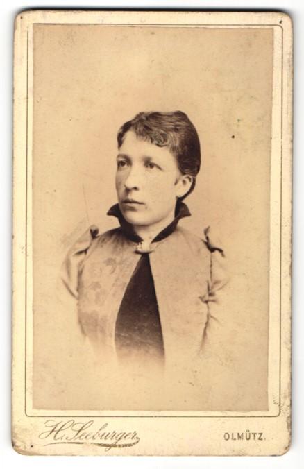 Fotografie H. Seeburger, Olmütz, Portrait bürgerliche Dame