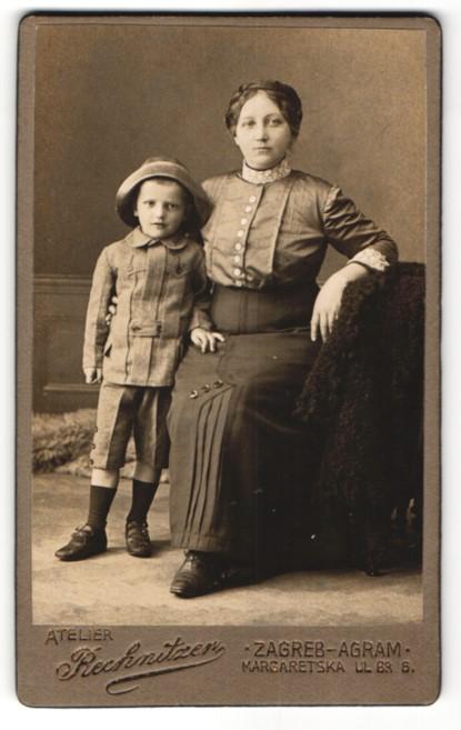 Fotografie Atelier Rechnitzer, Zagreb-Agram, Portrait Mutter und Sohn