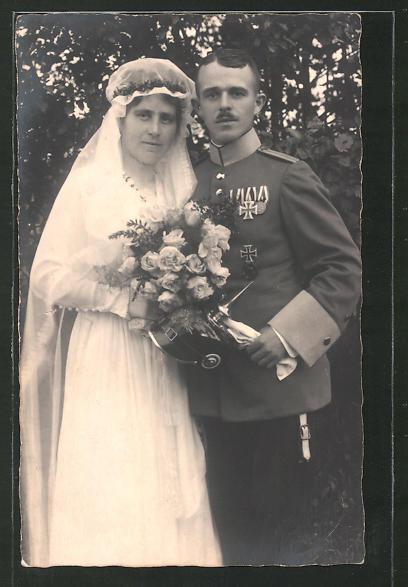Foto-AK Trauung in Uniform, Sächsischer Soldat mit Eisernem Kreuz I. Klasse