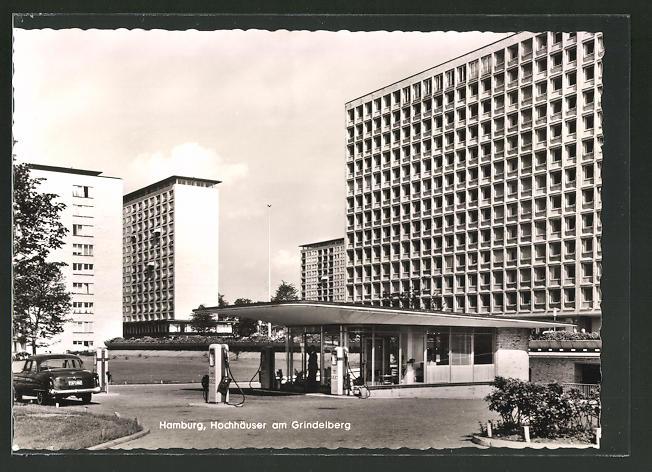 AK Hamburg, Hochhäuser am Grindelberg mit ICA-Tankstelle