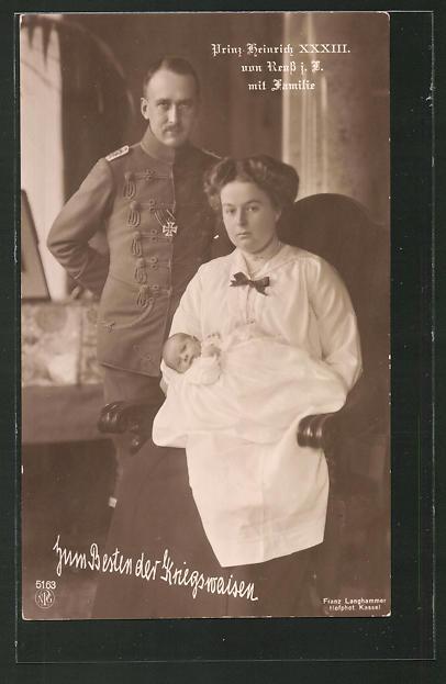 AK Prinz Heinrich XXXIII. Reuss zu Köstritz mit seiner Gemahlin Prinzessin Viktoria Margarete von Preussen & Baby