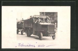 Foto-AK Lastkraftwagen mit offenem Führerhaus