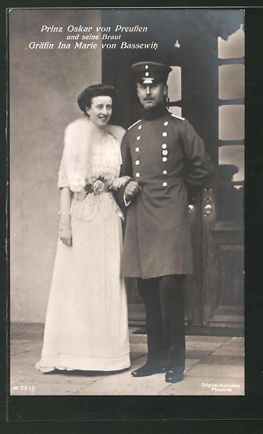 AK Prinz Oskar von Preussen und seine Braut, Gräfin Ina Marie von Bassewitz