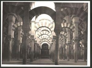 Fotografie Fotograf unbekannt, Ansicht Cordoba, Mezquita-Catedral de Córdoba, Innenansicht