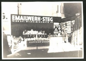 Fotografie Fotograf unbekannt, Ansicht Wien, Messestand Emailwerk - Steg