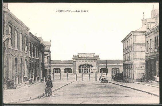 AK Jeumont, La Gare, Blick zum Bahnhof